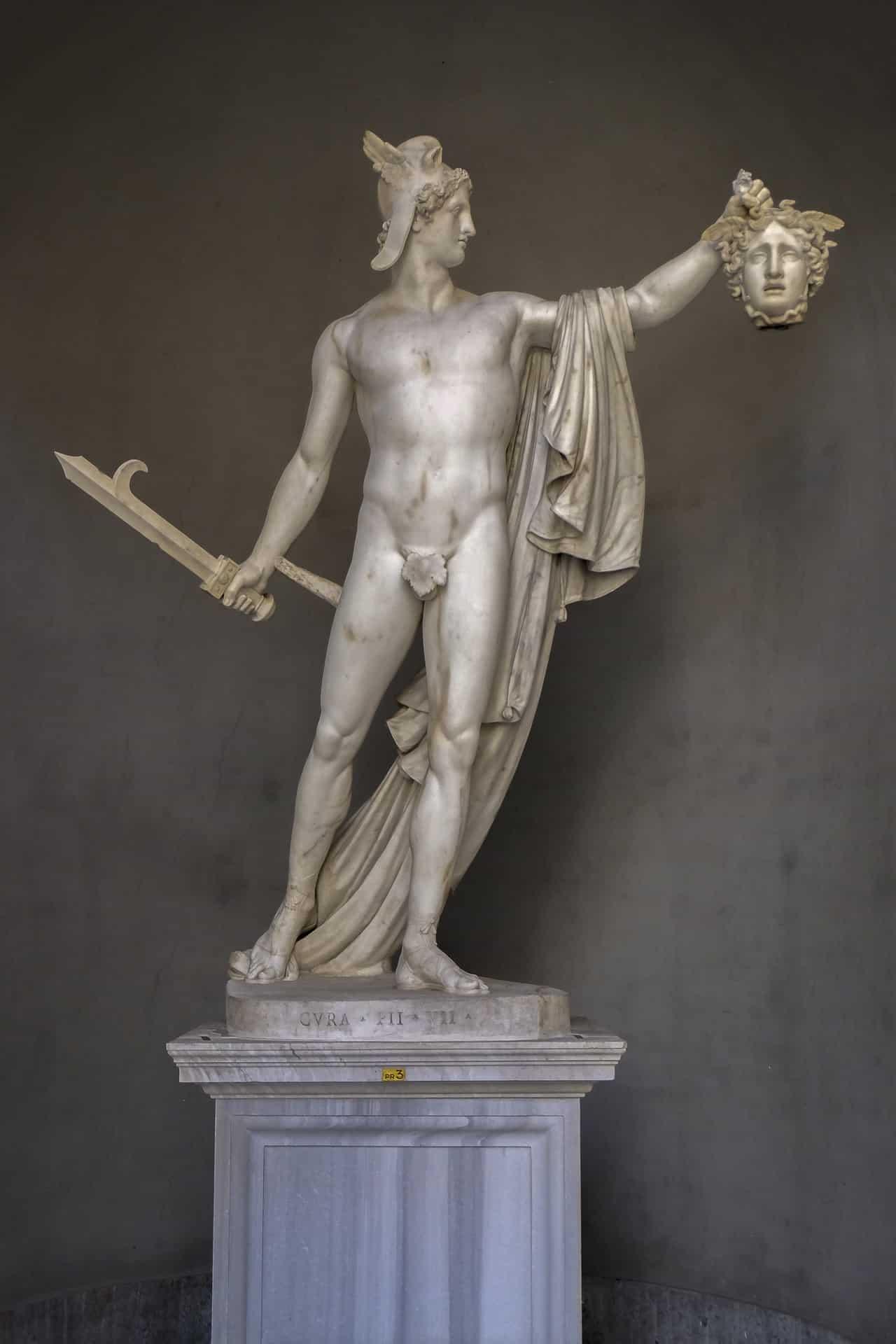 Canova'nın ünlü eseri Perseus ve Medusa