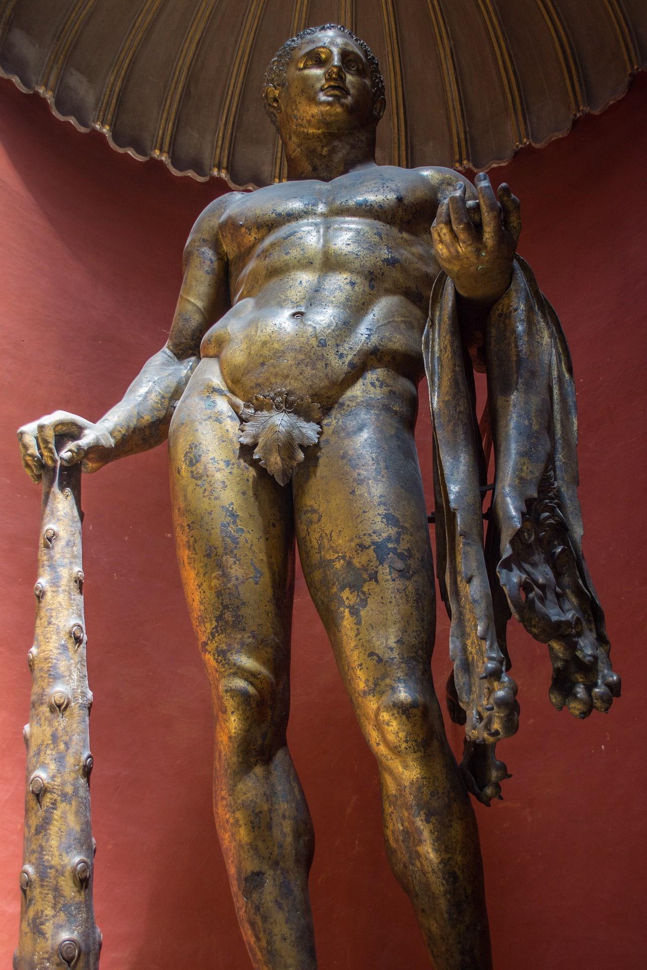 Sala Rotunda'da yer alan dev Herkül heykeli - Pio Clementino Müzesi